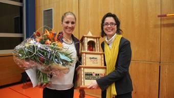 Daniela Ryf und Gemeindepräsidentin Anita Panzer