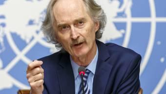 """Für den Uno-Syriengesandten Geir Pedersen """"ein historischer Moment"""": Syriens verfeindete Parteien sitzen nach acht Jahren Bürgerkrieg erstmals an einem Verhandlungstisch."""