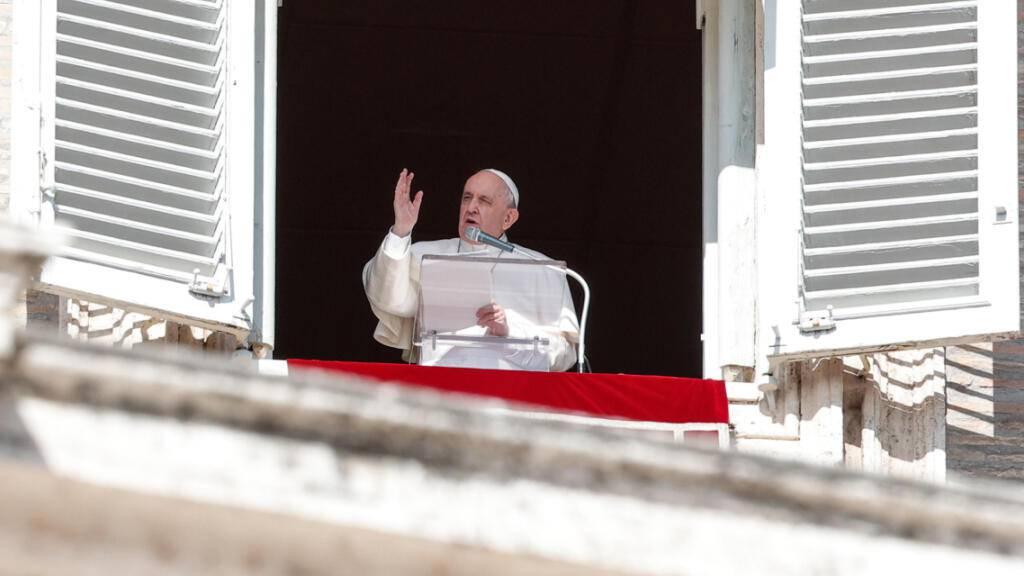 Papst fordert Hilfe für Migranten in Libyen