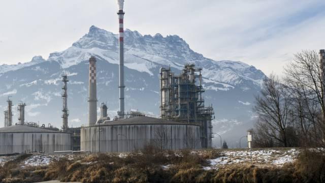 Die Raffinerie bei Collombey