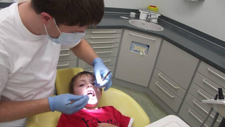Bald nur noch schwarze Kinderzähne in Kienberg? So schlimm steht es (noch) nicht. (Foto: sso)