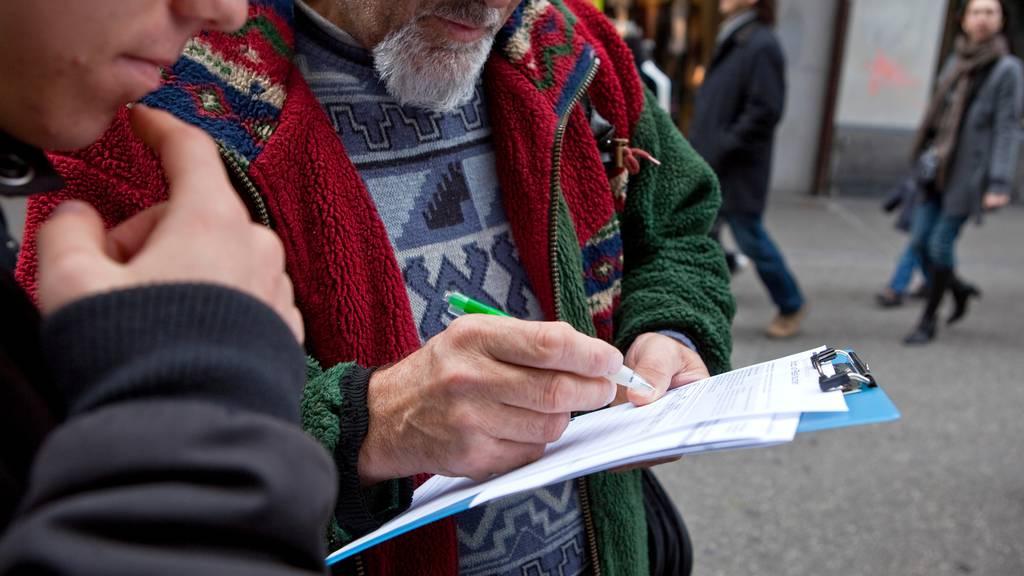 Wegen Corona-Virus: Sammelfristen für Initiativen und Referenden ausgesetzt