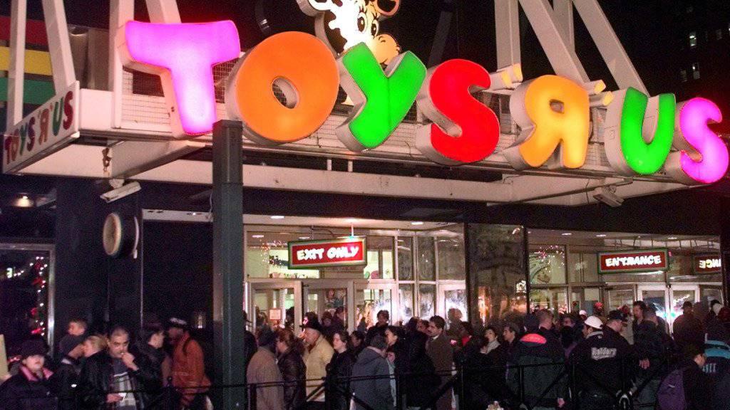 Toys ‹R› Us ist in den USA und Kanada in Schwierigkeiten, nicht aber in der Schweiz. Im Bild ist eine Filiale in New York. (Archiv)