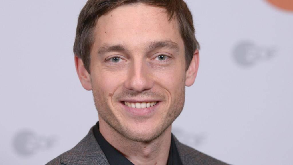 """Bester deutscher Schauspielerin: Der 37-jährige Volker Bruch erhielt die Goldene Kamera für seine Rolle in der Serie """"Babylon Berlin""""."""