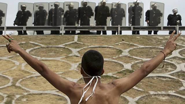 Die Übermacht der Staatsgewalt - Manama am 13. März