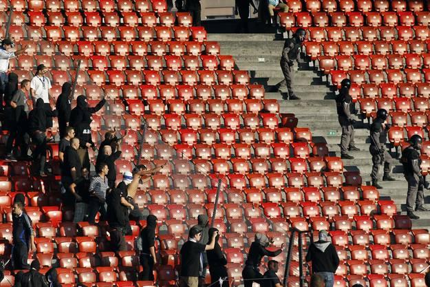 """Die Clubleitungen zeigten sich nach dem Spiel ratlos. """"Ich bin sprachlos"""", sagte GC-Präsident Roland Leutwiler gegenüber der """"Tagesschau"""" im Schweizer Fernsehen."""