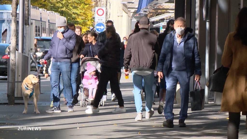 Uneinigkeit wegen Maskenpflicht im Freien