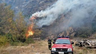 Waldbrände wüten in Norditalien: Nach einem Hilfsappell Roms schickt die Schweiz drei Helikopter der Armee und ein Experten-Team nach Italien.