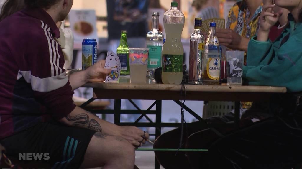 Volksdroge Alkohol breit akzeptiert: Süchtige werden stigmatisiert
