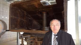 In Rheinfelden wird das Kraftwerk 1898 im Ausstellungspavillon montiert