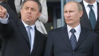 Wladimir Putin (rechts) will zuerst die Sachlage analysieren
