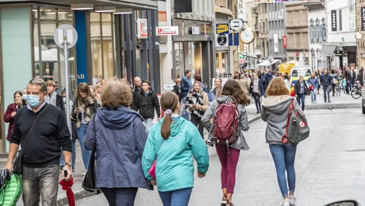 Besonders in der Freien Strasse mussten sich die Shopper in den vergangenen Wochen auf verkürzte Öffnungszeiten einstellen.