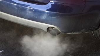Wegen der bereits sehr hohen Feinstaubbelastung im Tessin, sollte man wenn möglich auf Autofahrten verzichten. (Symbolbild)