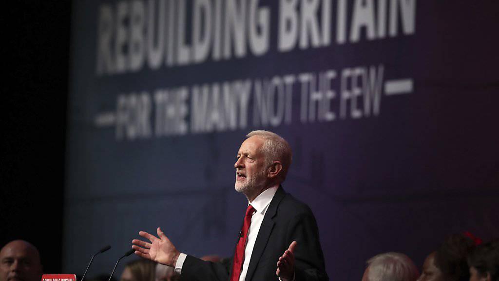 Der britische Oppositionsführer Jeremy Corbyn umschiffte in seiner Grundsatzrede am Labour-Parteitag das Thema eines möglichen zweiten Brexit-Referendums.