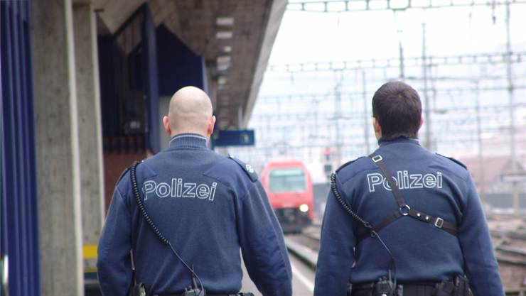 Die Dietiker Bevölkerung ist mit der Arbeit der Polizei zufrieden. Viele wünschen sich jedoch mehr Fuss- oder Velopatrouillen. Flavio Fuoli