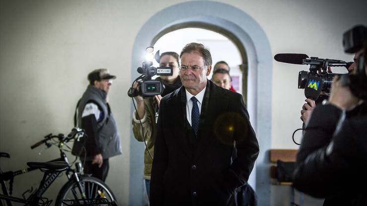 Walter Dubler, hier auf dem Weg zur Gerichtsverhandlung im April, steht wieder in der Kritik. Chris Iseli/Archiv