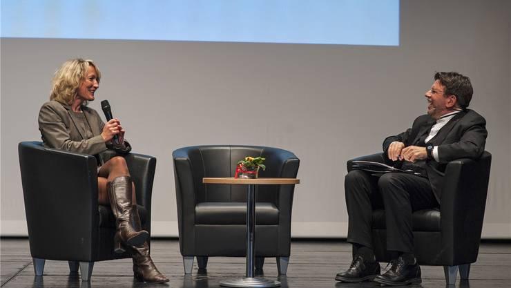 Regierungsrätin Susanne Hochuli unterhielt sich bestens mit Moderator Stefan Klapproth. Patricia Schoch