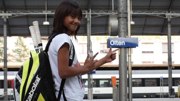 Tamara Arnold gefällt es am Bahnhof – sie ist viel alleine mit dem Zug unterwegs.