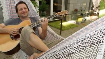 Ausspannen vor dem Mammutprojekt: Robbie Caruso, musikalischer Leiter der Artbar, bringt viele Stars nach Brugg.