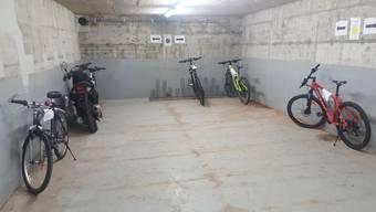 Blick in den Lagerraum der Regionalpolizei Wohlen mit den herrenlosen Velos.