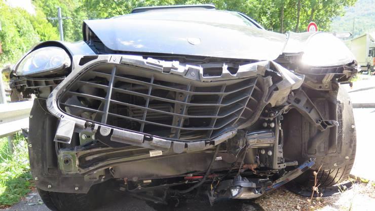 Beim Unfall entstand ein beträchtlicher Sachschaden.
