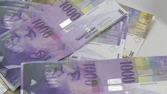 Er steht vor Gericht, weil er fast 200 Bankkunden um rund 9 Mio. Franken betrogen haben soll. Wie wird er bestraft?