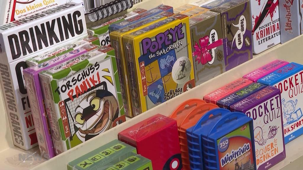 Lockdown: Bücher und Spiele boomen in Zeiten von Corona