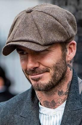 Schiebermützen gehören zu den liebsten Accessoires von Modeikone David Beckham.