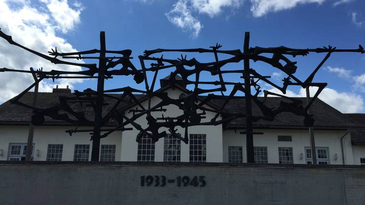 Ein Holocaust-Leugner wurde vom Gericht dazu verurteilt, fünf ehemalige Konzentrationslager zu besuchen und einen Bericht darüber zu schreiben.