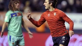 Osasuna-Stürmer Dejan Lekic gegen Barça gleich doppelt erfolgreich.