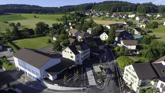 DCIM\100MEDIA\DJI_0017.JPG Luftaufnahme Dorfplatz Leutwil
