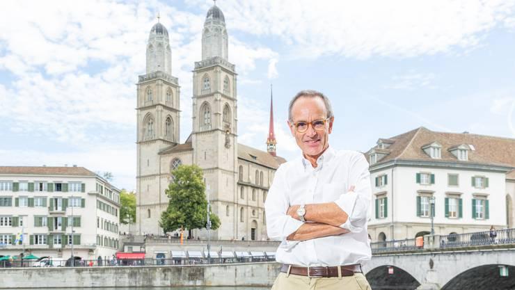 Christoph Schneider trat nach 25 Jahren wieder in die Kirche ein und unterstützt sie seither als Freiwilliger.