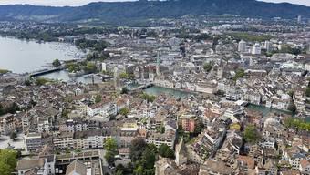 Die Stadt Zürich rechnet für das nächste Jahr mit einem Defizit von 155,3 Millionen Franken. (Archivbild)