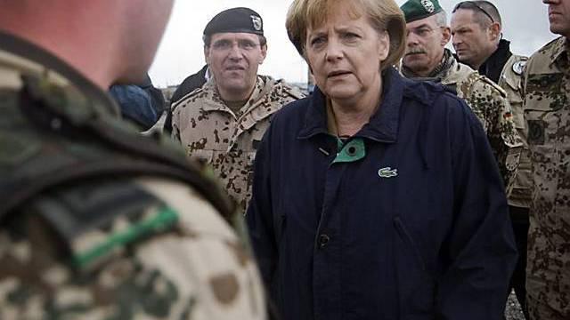 Merkel besucht deutsche Truppen