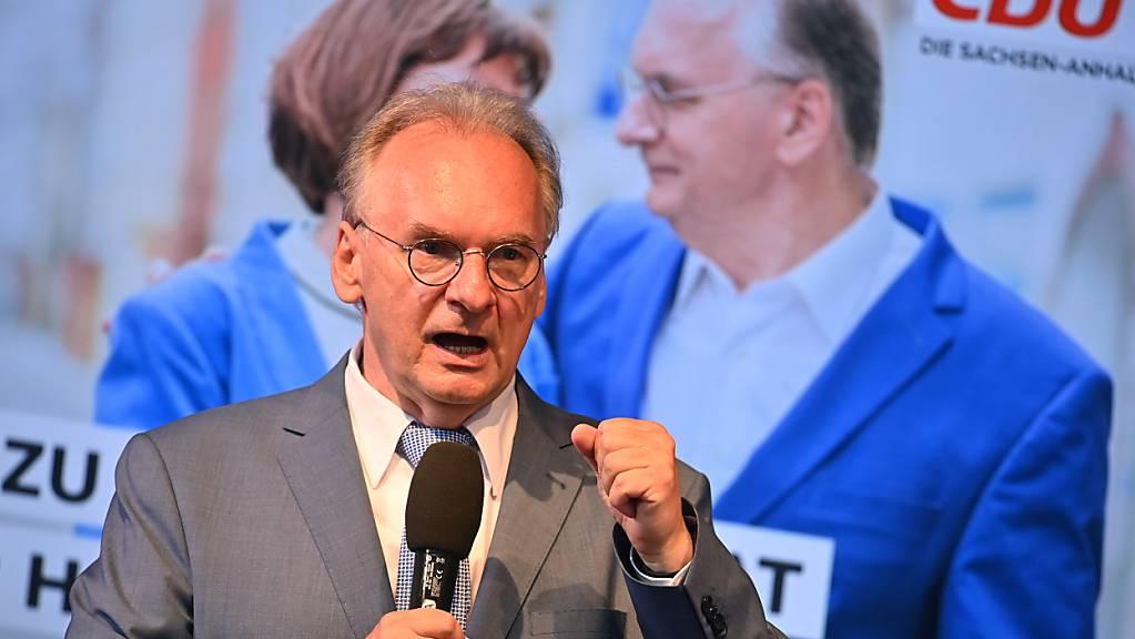 Reiner Haseloff, Ministerpräsident von Sachsen-Anhalt, spricht auf der CDU-Wahlparty.