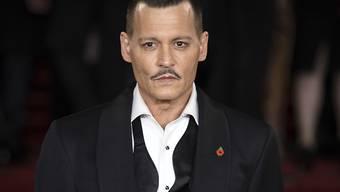 Schauspieler Johnny Depp hat sich mit seinen einstigen Managern geeinigt. Wegen des Streits wurden Details zu seinem aufwendigen Lebensstil bekannt. Sein Vermögen, das auf 650 Millionen Dollar geschätzt wurde, hat sich wohl verflüchtigt. (Archiv)