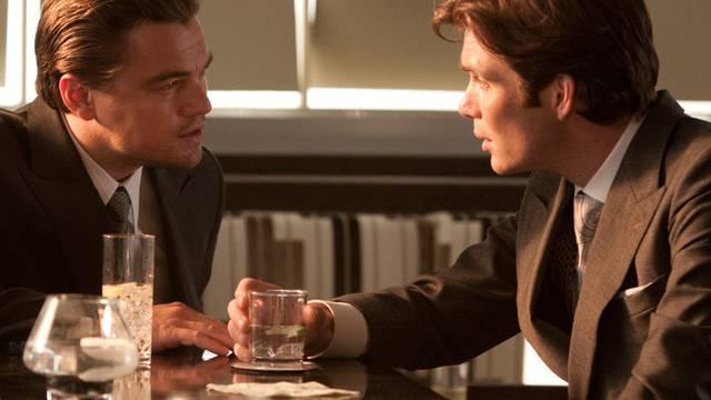 Leonardo di Caprio (links) spielt im futuristischen Thriller mit
