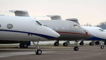 Die Anrainergemeinden haben sich an der Urne zwar für einen Flugplatz ohne Geschäfts- und Sportfliegerei ausgesprochen, Bund und Kanton halten jedoch an der geplanten Business Aviation fest.