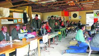 Im Schützenstand in Auckland: Schweizer Schützenveteranen besuchten letztes Jahr den Auckland Swiss Club in Neuseeland.  zvg