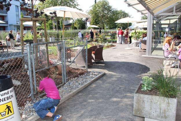 Der neue Garten mit grossen Hasengehege