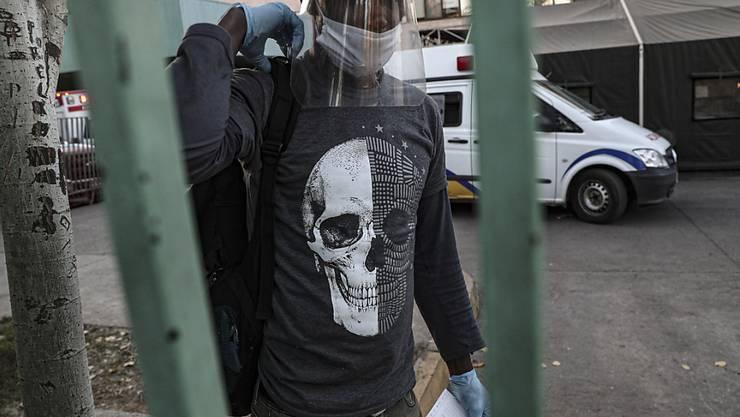 In Chile leiden die Menschen unter den Folgen des Coronavirus: Die Leute haben kein Geld mehr für Lebensmittel, deshalb kommt es zu Protesten. (Symbolbild)