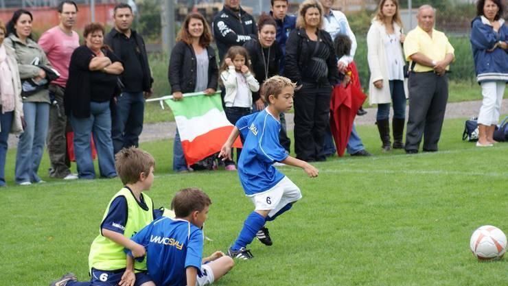 20 bis 25 Prozent der Eltern im Juniorenfussball fallen laut dem Fussballverband der Region Zürich durch negative Rufe oder gar Handgreiflichkeiten auf