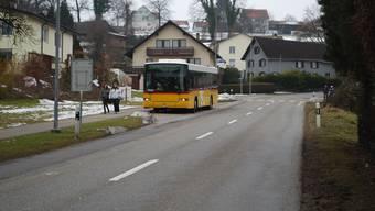 Busbucht nur talwärts: An der Seetalstrasse wird bergwärts, vor der Einfahrt Heideggstrasse, nur ein Fahrbahnhalt realisiert. (es)