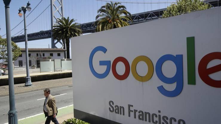Google droht neues Ungemach: Die Generalstaatsanwälte von 48 US-Bundesstaaten sowie Washington D.C. und Puerto Rico haben eine Kartelluntersuchung gegen den Online-Riesen eröffnet. (Archivbild)