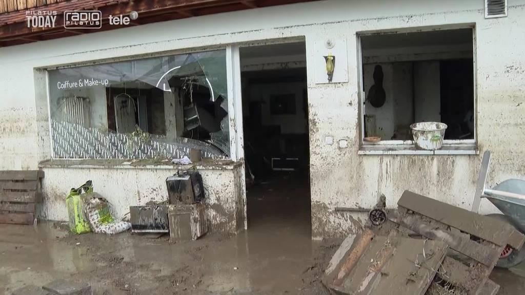 Einsiedler Coiffeursalon: Wasser und Schlamm bis zur Decke