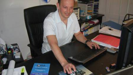 Heinz Lüem, OK-Co-Präsident der OGA 2009, in seinem Büro in Hendschiken