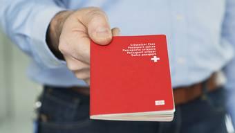 Im vergangenen Jahr erhielten 3397 Ausländerinnen und Ausländer das Schweizer und das Zürcher Bürgerrecht. (Symbolbild)