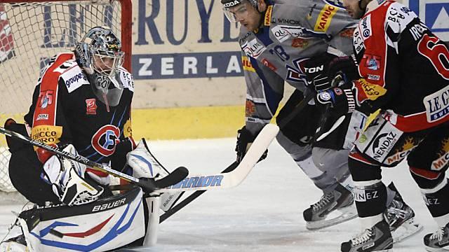 Biels Marc-Antoine Pouliot scheitert an Fribourg-Goalie Conz.