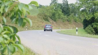 Die Kantonsstrasse zwischen Wegenstetten und Hellikon soll ab 2017 ausgebaut werden. Das Projekt kostet rund 6,7 Millionen Franken. Dennis Kalt