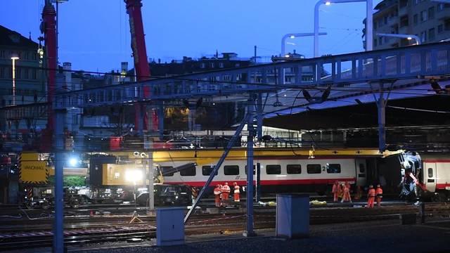 Bergung des entgleisten Eurocity-Neigezuges in Luzern